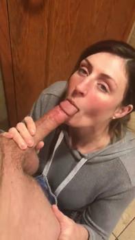Fishnet Latina gets pounded - Chatroulette Porn