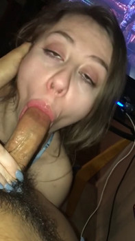 She's loves when I hit the wall of her pussy - Periscope Girls