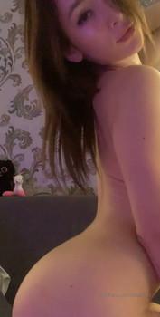 My Snapchat girl masturbates while I'm fucking her bestfriend - Snapchat Porn